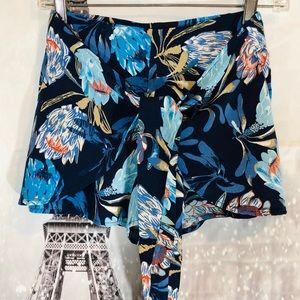 Gypsies & Moondust Blue Floral Shorts Size Medium
